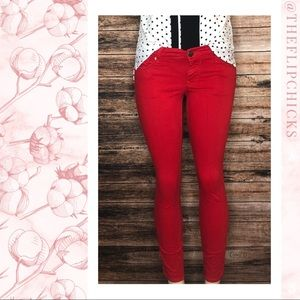 ○ Red Express Skinny Jeans ○